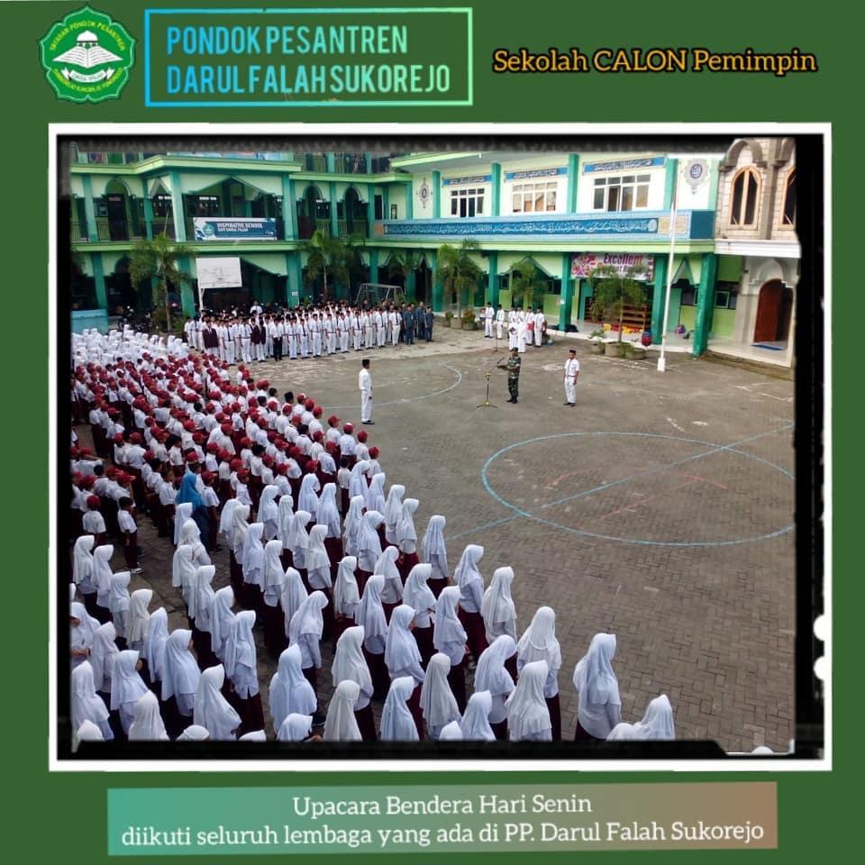 Upacara Pengibaran Bendera Merah Putih-Pondok Pesantren Darul Falah